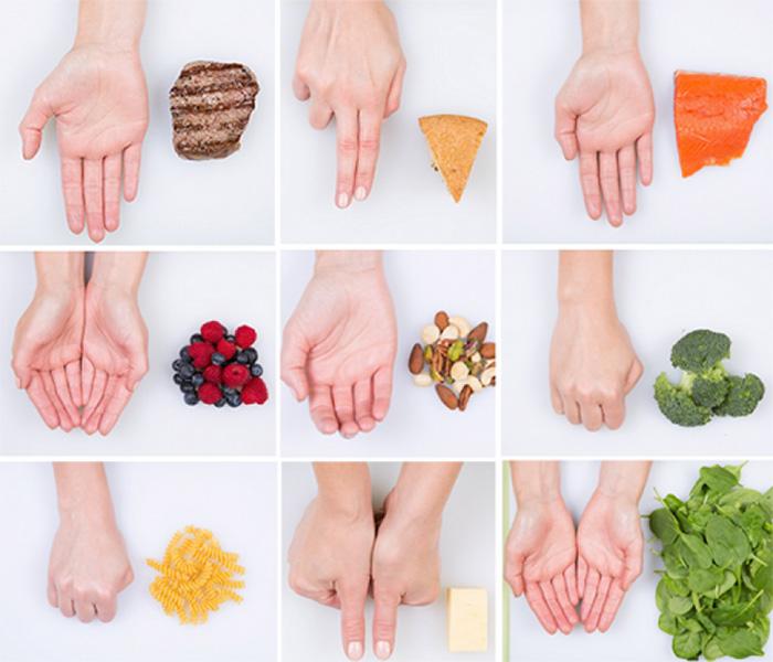 Porzioni cibo con mani